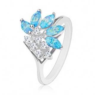 Lesklý prsteň striebornej farby, číre zirkóny, zrnká v akvamarínovom odtieni - Veľkosť: 49 mm