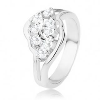 Lesklý prsteň striebornej farby, rozdelené ramená, číre ligotavé zirkóny - Veľkosť: 48 mm