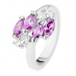 Ligotavý prsteň striebornej farby, fialové zirkónové zrnká, číre zirkóniky - Veľkosť: 49 mm