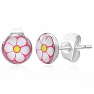 Oceľové náušnice striebornej farby, biely kvietok na ružovom pozadí