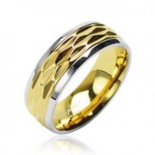 Prsteň z chirurgickej ocele - zvlnený motív zlato-striebornej farby - Veľkosť: 49 mm