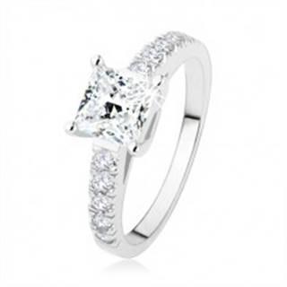 Zásnubný prsteň zo striebra 925, číry zirkónový štvorec, ramená s kamienkami - Veľkosť: 49 mm