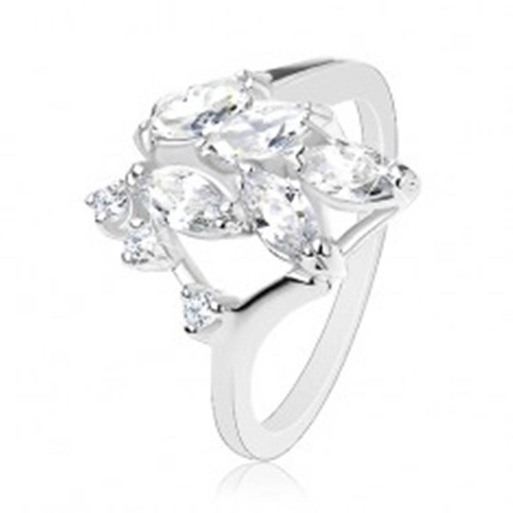 Šperky eshop Ligotavý prsteň striebornej farby, číre brúsené zrnká, okrúhle zirkóniky - Veľkosť: 56 mm