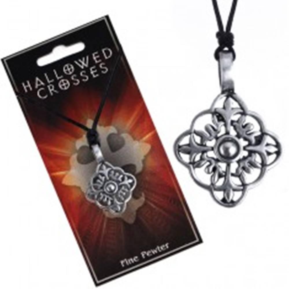 Šperky eshop Náhrdelník so šnúrkou - vyrezávaný rozvetvený kríž vo štvorci
