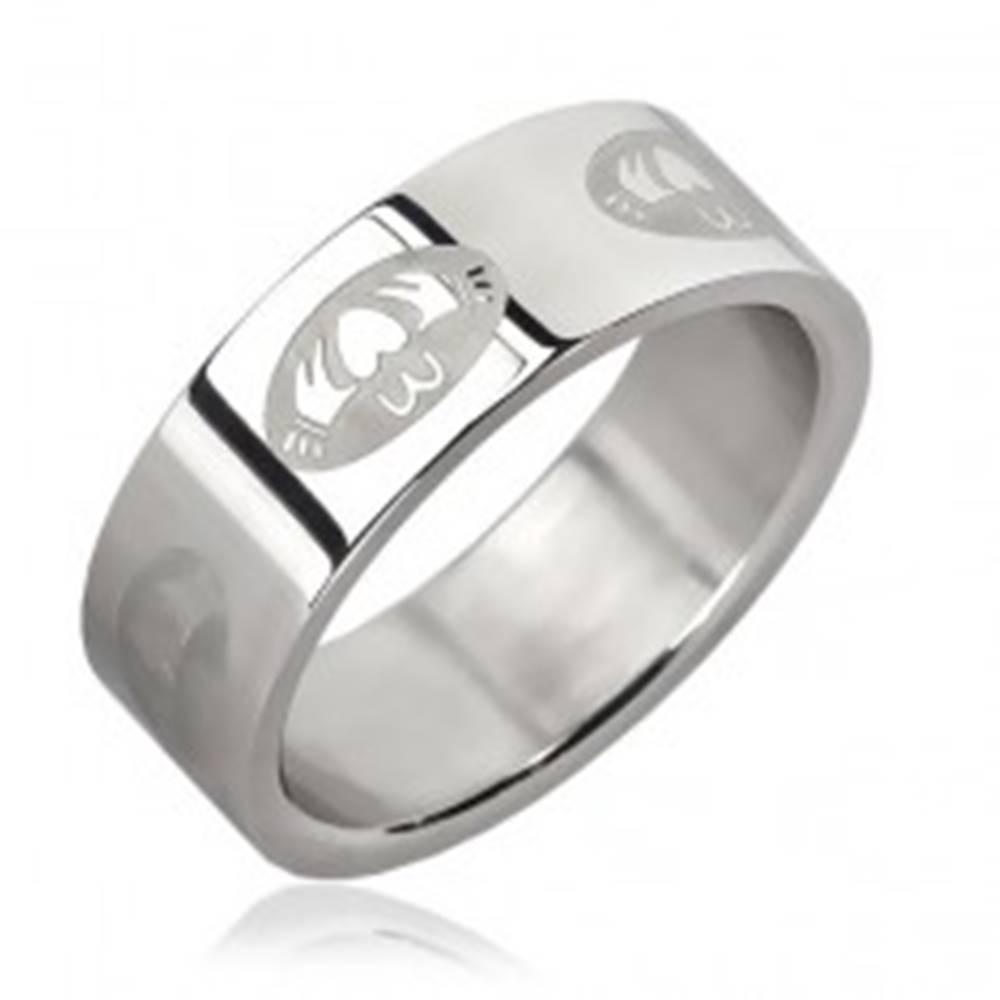 Šperky eshop Oceľový prsteň - srdce v ovále - Veľkosť: 51 mm