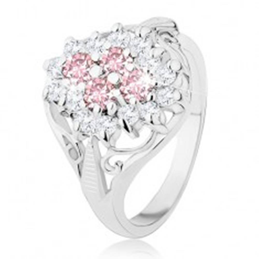 Šperky eshop Prsteň striebornej farby, oválny zirkónový kvet, lesklé rozdelené ramená - Veľkosť: 52 mm