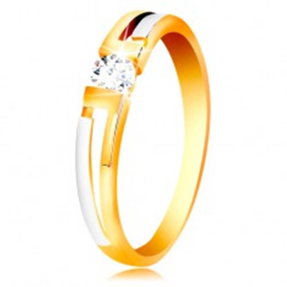 Šperky eshop Prsteň zo zlata 585 - dvojfarebné ramená, číry zirkón v hranatom výreze - Veľkosť: 49 mm
