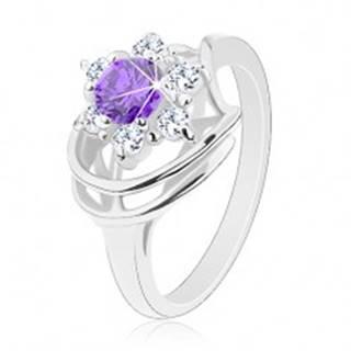 Ligotavý prsteň v striebornom odtieni, okrúhly fialový zirkón, číre zirkóniky - Veľkosť: 49 mm