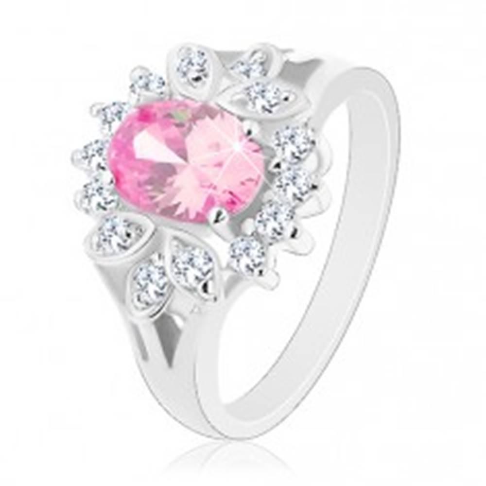 Šperky eshop Prsteň striebornej farby, ružový zirkónový ovál, číry lem, lístočky - Veľkosť: 52 mm