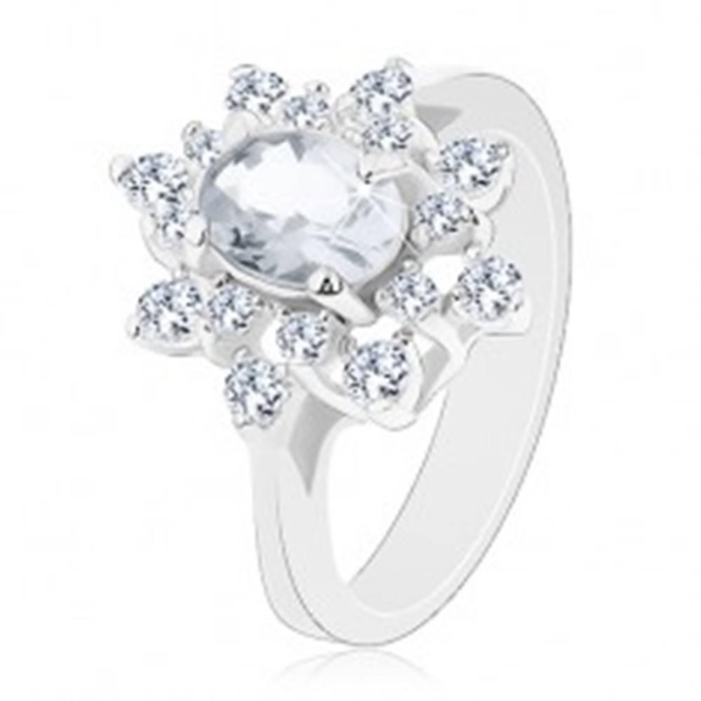 Šperky eshop Trblietavý prsteň so strieborným odtieňom, kvet s čírymi zirkónmi - Veľkosť: 52 mm