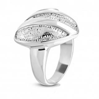 Oceľový prsteň - symetrické srdce s drobnými zárezmi, lesklé pásy a špirála - Veľkosť: 51 mm