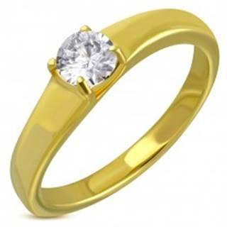 Oceľový prsteň zlatej farby, vystúpený okrúhly číry zirkón - Veľkosť: 49 mm