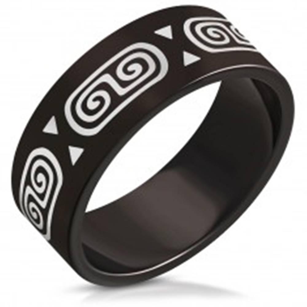 Šperky eshop Obrúčka z ocele s motívom gréckeho kľúča - dve špirály a trojuholníky, 8 mm - Veľkosť: 56 mm