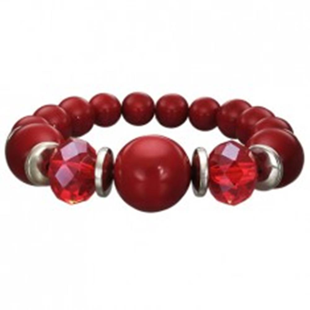 Šperky eshop Strečový náramok bordovej farby - guličky rôznej veľkosti, brúsené červené korálky