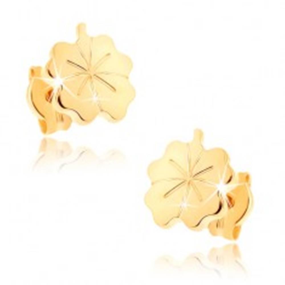 Šperky eshop Zlaté náušnice 375 - lesklý gravírovaný štvorlístok pre šťastie