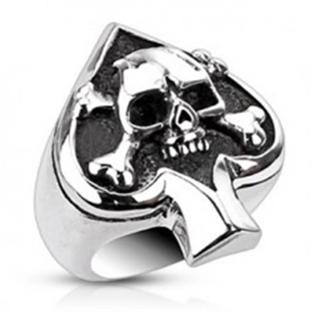 Šperky eshop Prsteň z ocele s kartovým symbolom a lebkou - Veľkosť: 51 mm