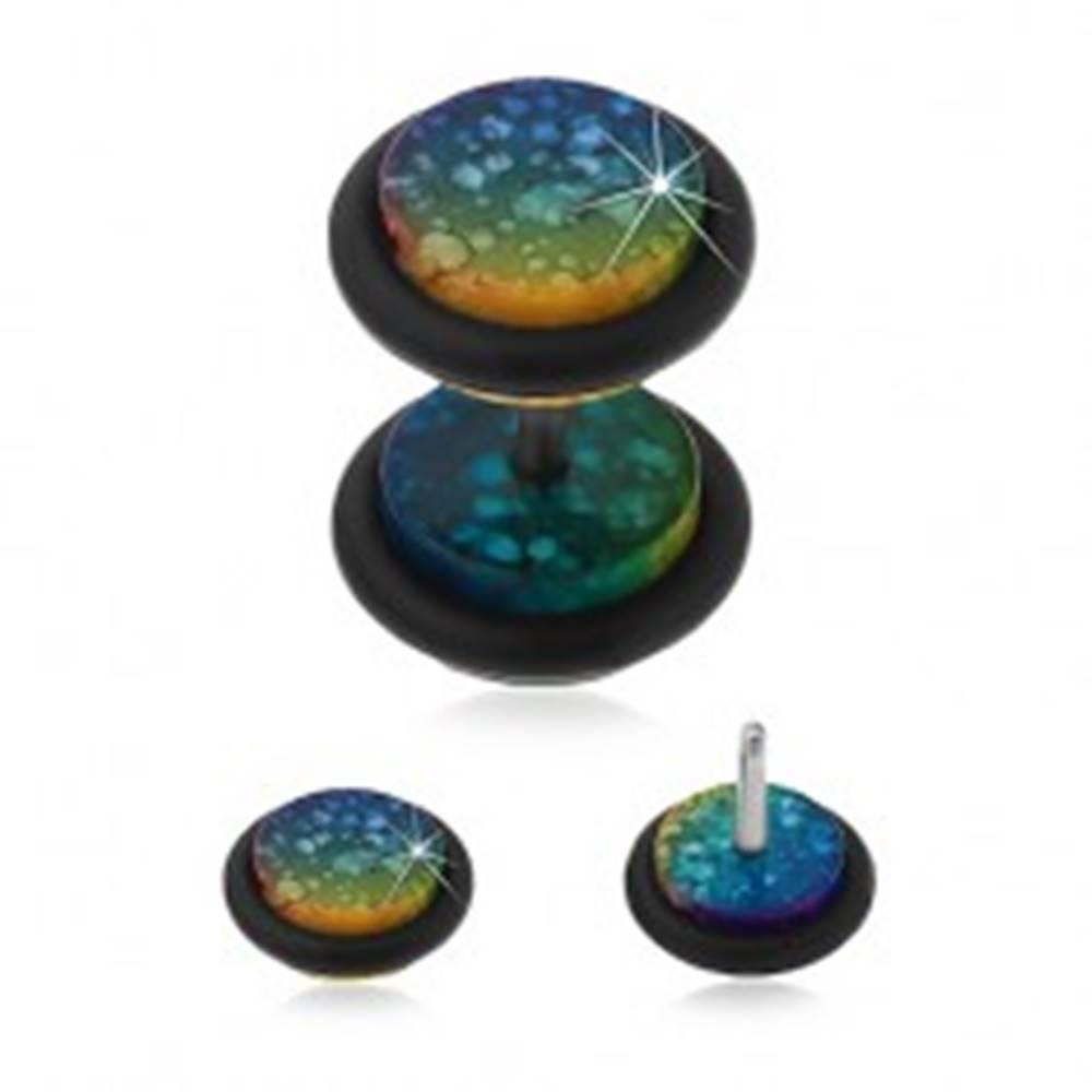 Šperky eshop Falošný akrylový plug do ucha v dúhových farbách s bielymi škvrnami