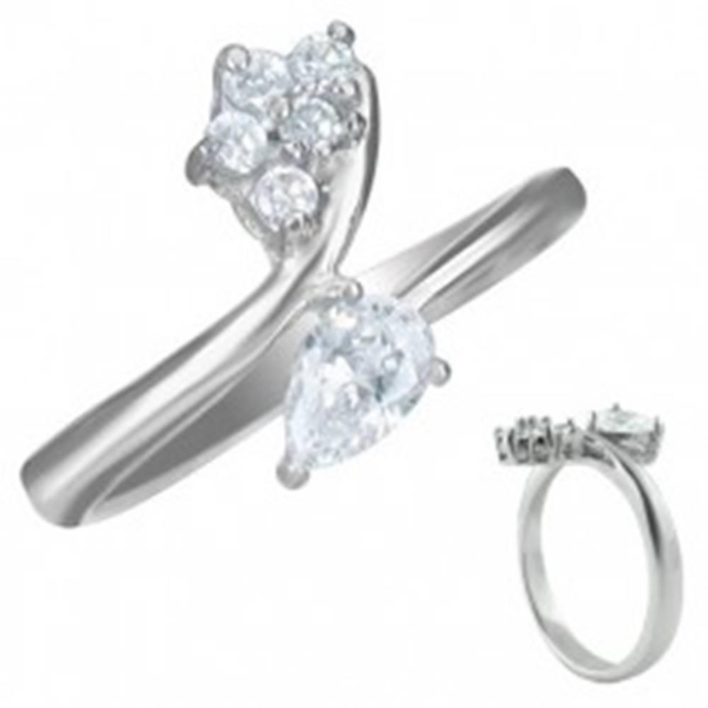 Šperky eshop Zásnubný prsteň - zirkón slzička a päť malých zirkónikov - Veľkosť: 50 mm