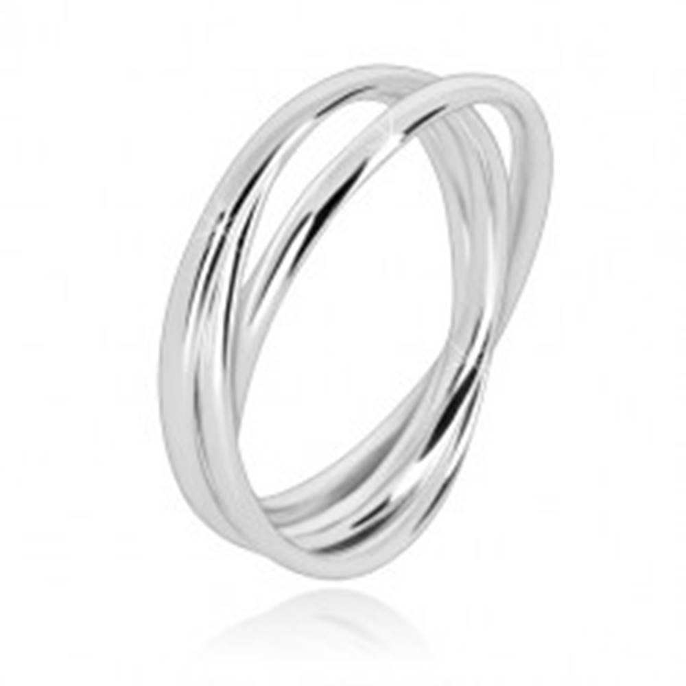 Šperky eshop Trojitý prsteň zo striebra 925 - úzke prepojené prstence s lesklým povrchom - Veľkosť: 49 mm