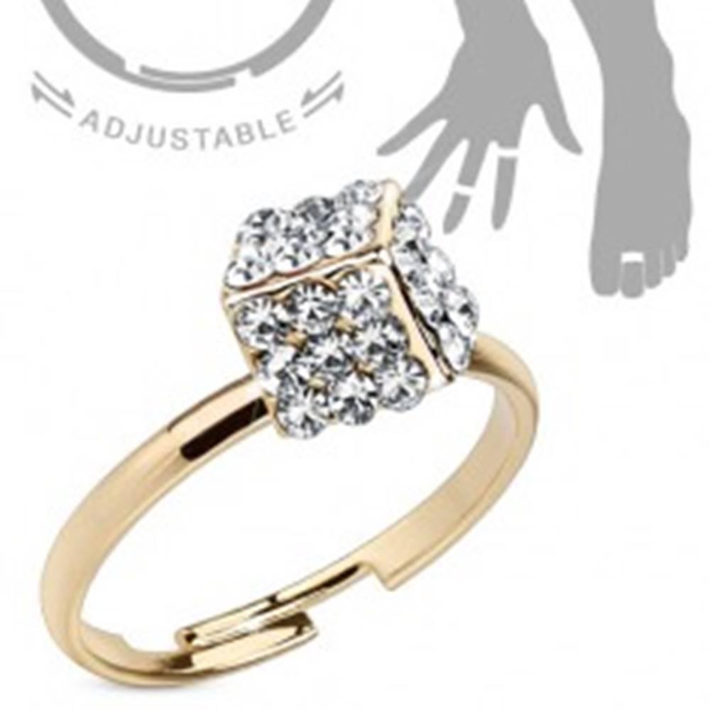 Šperky eshop Prsteň zlatej farby na ruku alebo nohu, kocka vykladaná čírymi zirkónmi - Veľkosť: 51 mm