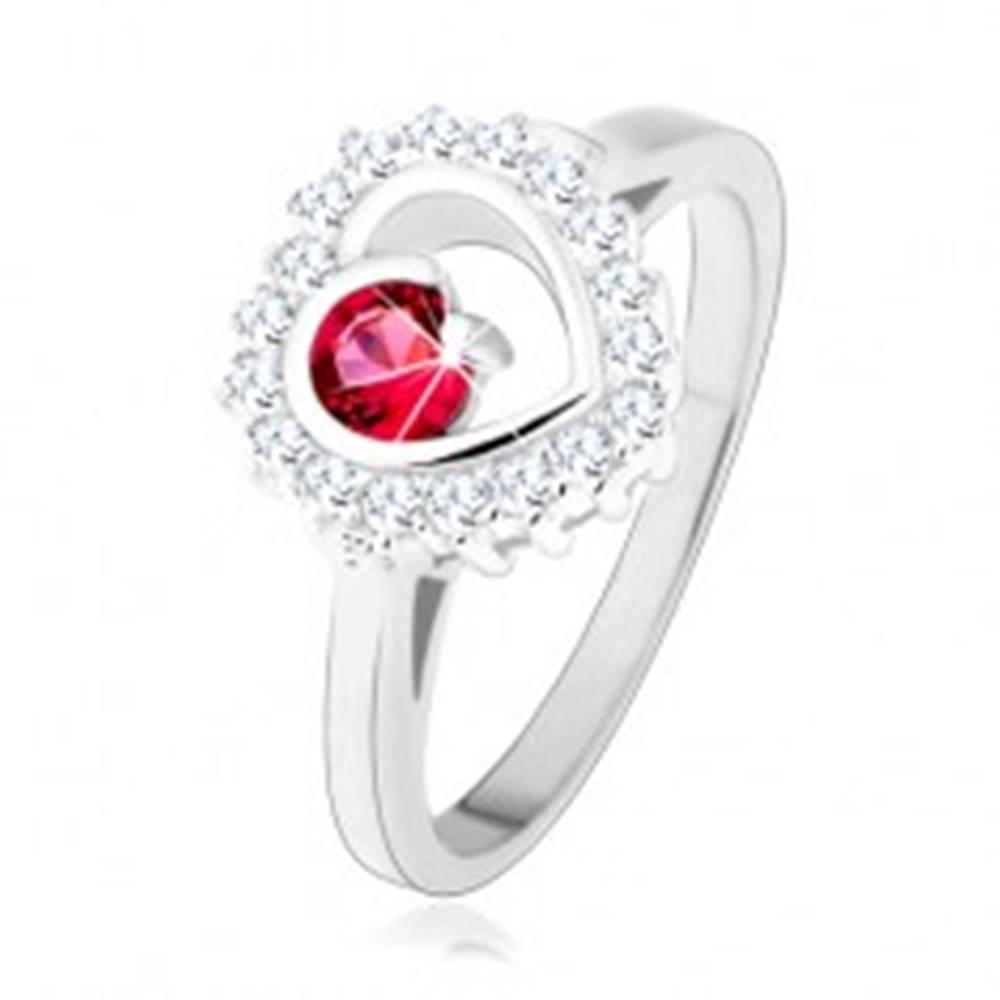 Šperky eshop Prsteň zo striebra 925, ródiovaný, číry obrys srdca s okrúhlym ružovým zirkónom - Veľkosť: 49 mm