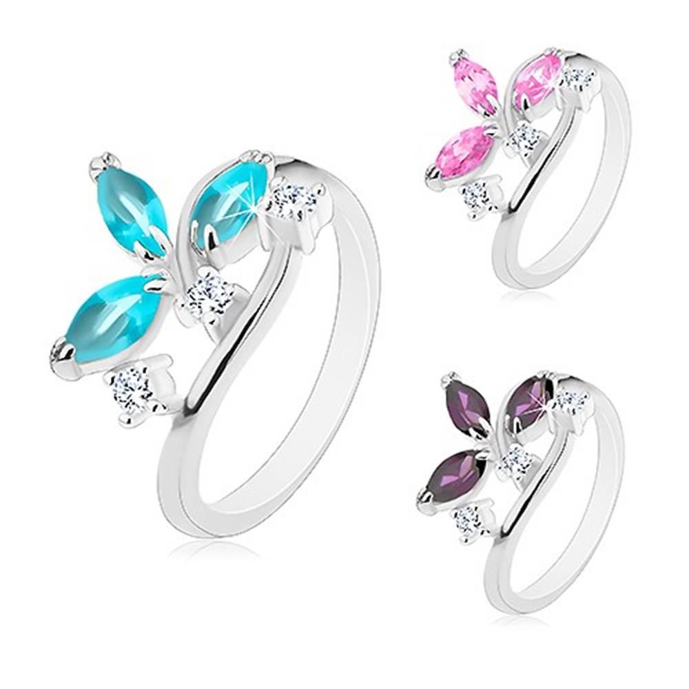 Šperky eshop Lesklý prsteň - farebné zrniečkové zirkóny v kotlíku, číre zirkóniky - Veľkosť: 49 mm, Farba: Fialová tmavá