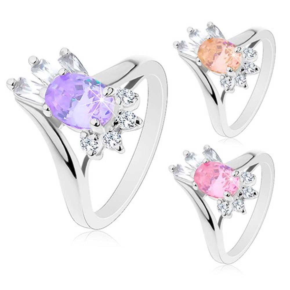 Šperky eshop Prsteň striebornej farby, veľký oválny zirkón, obdĺžnikové a okrúhle zirkóniky - Veľkosť: 48 mm, Farba: Svetlofialová